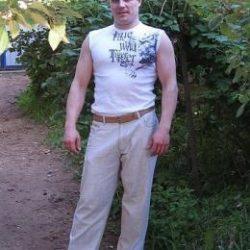 Парень из Москвы, ищу девушку или женщину для интима