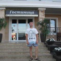 Парень. Ищет стройную девушку для секса без обязательств в Магнитогорске.