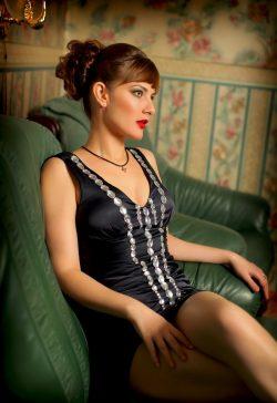 Девушка красотка хочет разнообразия с опытным мужчиной для жарких ночей в Магнитогорске